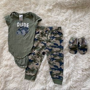 Baby boy camo outfit size 6-9 months